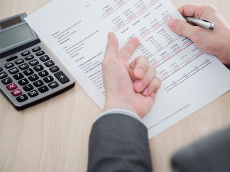 Как регулируется бухгалтерский учет в России